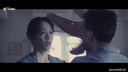 Cảnh trong phần 1 của phim Ký sinh thú - 2
