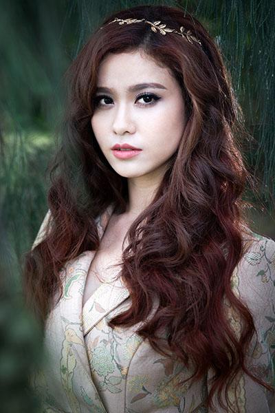 Ngắm vẻ đẹp quyến rũ của Trương Quỳnh Anh - 1