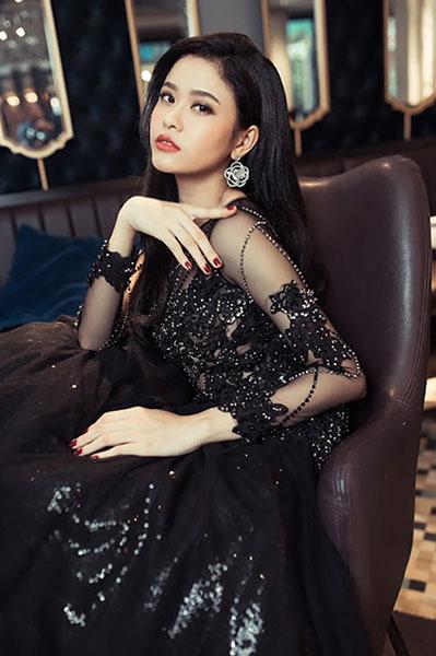 Ngắm vẻ đẹp quyến rũ của Trương Quỳnh Anh - 17