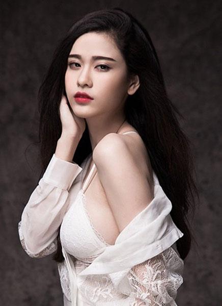 Ngắm vẻ đẹp quyến rũ của Trương Quỳnh Anh - 2