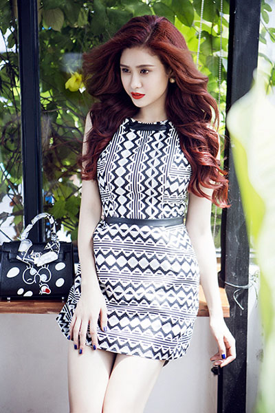 Ngắm vẻ đẹp quyến rũ của Trương Quỳnh Anh - 3