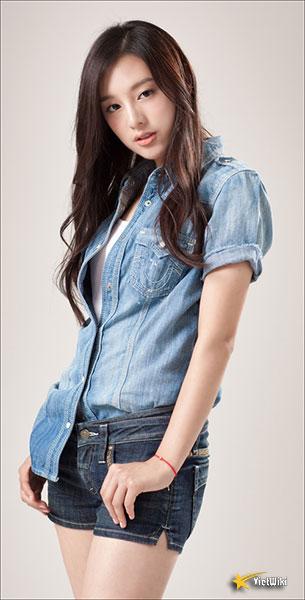 Chiêm ngưỡng nhan sắc nữ thần vạn người mê Kim Ji Won - 11