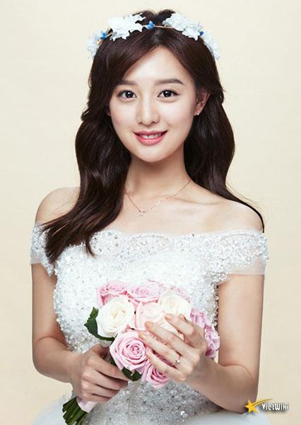 Chiêm ngưỡng nhan sắc nữ thần vạn người mê Kim Ji Won - 15
