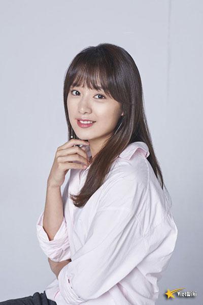 Chiêm ngưỡng nhan sắc nữ thần vạn người mê Kim Ji Won - 19