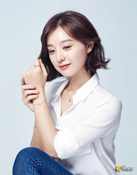 Chiêm ngưỡng nhan sắc nữ thần vạn người mê Kim Ji Won - 7