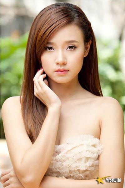 Ngắm vẻ đẹp không tì vết của Hot girl Midu - 1