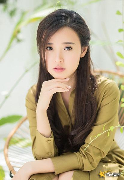 Ngắm vẻ đẹp không tì vết của Hot girl Midu - 12