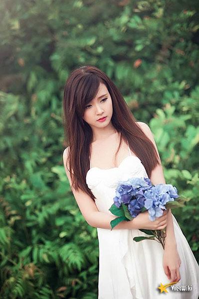 Ngắm vẻ đẹp không tì vết của Hot girl Midu - 13