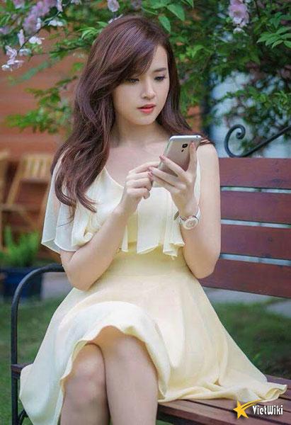 Ngắm vẻ đẹp không tì vết của Hot girl Midu - 16