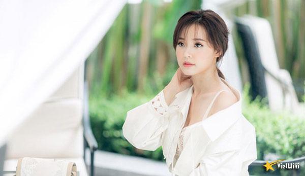 Ngắm vẻ đẹp không tì vết của Hot girl Midu - 9