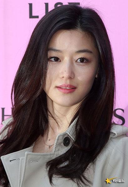 Ngắm vẻ đẹp không tuổi của Jun Ji Hyun - 13