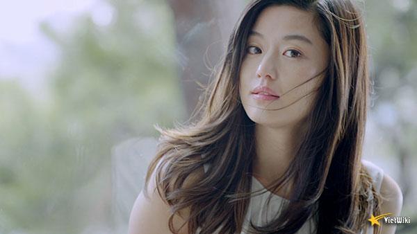 Ngắm vẻ đẹp không tuổi của Jun Ji Hyun - 18