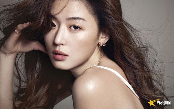 Ngắm vẻ đẹp không tuổi của Jun Ji Hyun - 19
