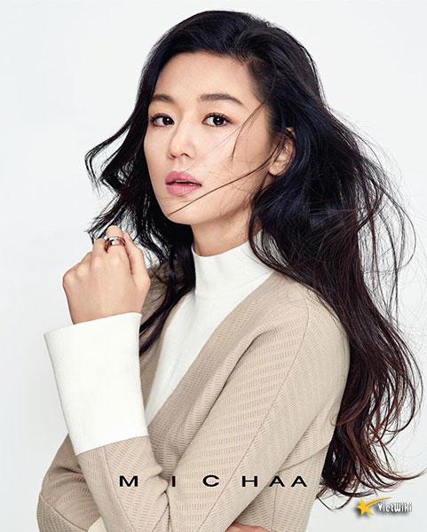 Ngắm vẻ đẹp không tuổi của Jun Ji Hyun - 8