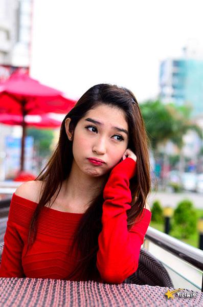 Ngắm vẻ đẹp nhí nhảnh và dễ thương của cô bé Dâu Tây Khổng Tú Quỳnh - 1