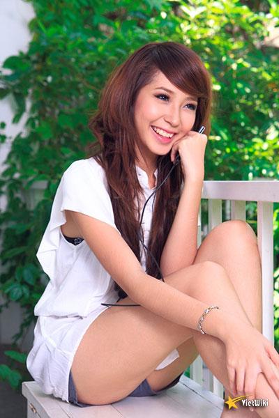 Ngắm vẻ đẹp nhí nhảnh và dễ thương của cô bé Dâu Tây Khổng Tú Quỳnh - 11