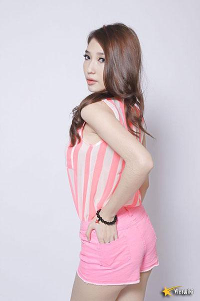 Ngắm vẻ đẹp nhí nhảnh và dễ thương của cô bé Dâu Tây Khổng Tú Quỳnh - 14
