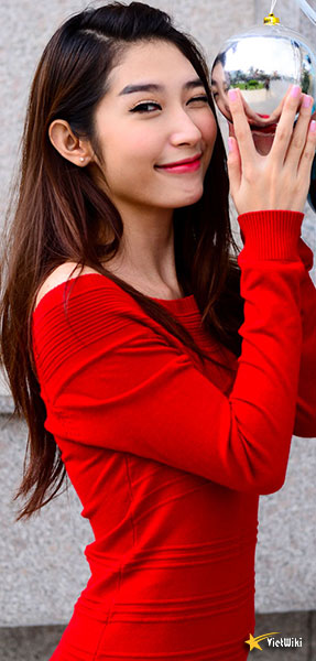 Ngắm vẻ đẹp nhí nhảnh và dễ thương của cô bé Dâu Tây Khổng Tú Quỳnh - 3