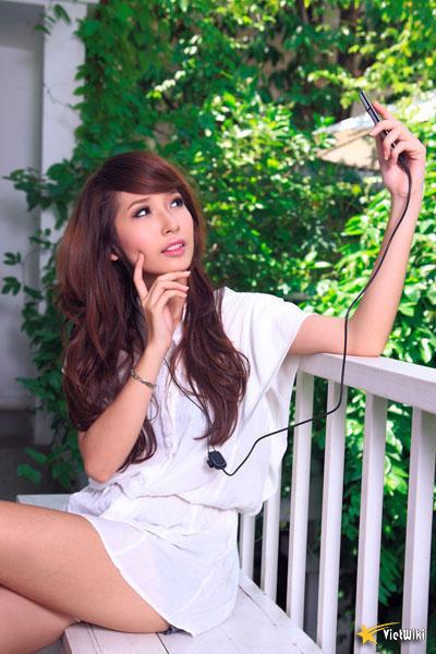 Ngắm vẻ đẹp nhí nhảnh và dễ thương của cô bé Dâu Tây Khổng Tú Quỳnh - 9