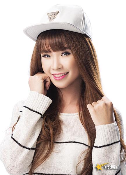 Vẻ đẹp cực kỳ đáng yêu và dễ thương của ca sĩ Khởi My - 1