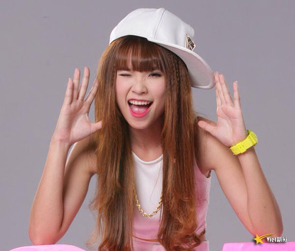 Vẻ đẹp cực kỳ đáng yêu và dễ thương của ca sĩ Khởi My - 18