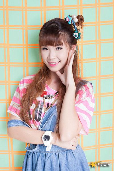 Vẻ đẹp cực kỳ đáng yêu và dễ thương của ca sĩ Khởi My - 19