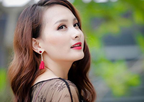 Ngắm nàng dâu Minh Vân - Bảo Thanh xinh đẹp ngoài đời thực - 12