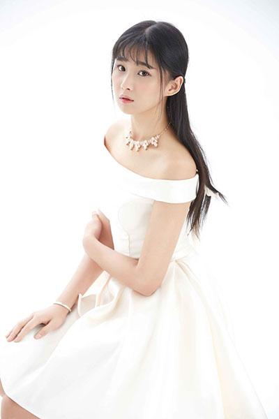 Ngắm vẻ đẹp ngọt ngào và tinh khiết của diễn viên Trung Quốc Thích Lam Duẫn - 16
