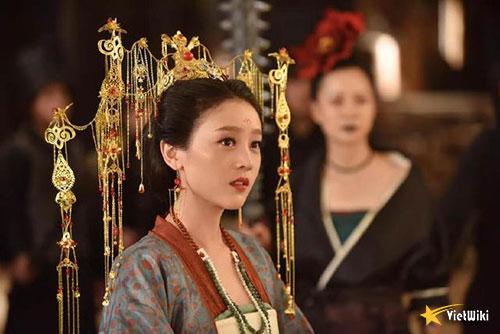 Tạo hình Mạnh Bà Tam Thất của Hà Hoa trong phim Truyền thuyết Mạnh Bà - 2