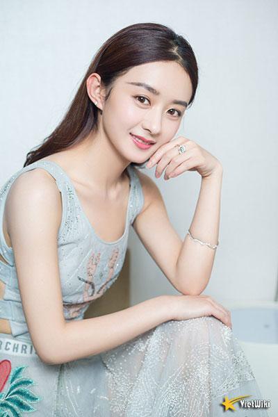 Ngắm vẻ đẹp trẻ thơ, dễ thương và đáng yêu của Triệu Lệ Dĩnh - 3
